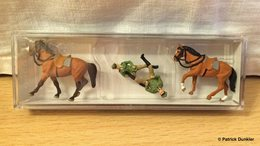 Police on horseback figure and toy soldier sets 7f309ddc 8383 4065 adf2 77a6099d8f46 medium