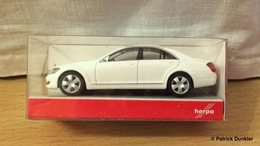 Mercedes s class %2528w221%2529 model cars 8c50b194 eb0d 4494 8f7b 0aca264fc24e medium