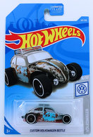Custom Volkswagen Beetle | Model Cars | HW 2019 - Collector # 069/250 - Volkswagen 8/10 - Custom Volkswagen Beetle - Gray - USA Card