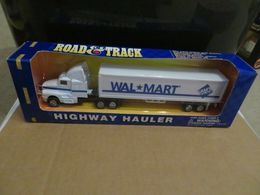 Maisto road and track highway hauler wal mart tractor trailer truck model vehicle sets 50ff9818 e007 40cc 9e40 04bc27031efe medium