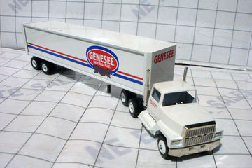 Winross USA Diecast Genesee Brewing Ale Beer New York Semi Tractor