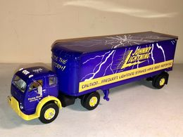 Purple semi truck trailer playing mantis diecast by johnny lightning model vehicle sets 98927485 e3b3 4a48 b2f1 8a02cb83df65 medium