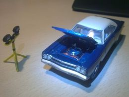 Greenlight muscle car hobby collection plymouth %252768 plymouth gtx 440 convertible model cars 6623b449 ff07 409f 834b fe80a8a07249 medium