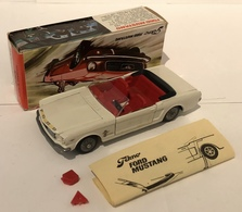 Ford mustang convertible model cars 33c0d7fc 4828 4cf5 ba86 a1f61d051577 medium