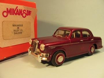 Riley 1.5 saloon | Model Car Kits | photo: David H
