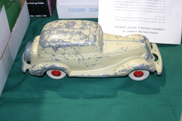 1935 studebaker president 4 door sedan  model cars 9bc3d664 f2ca 4c16 8c10 2856429afd27 medium