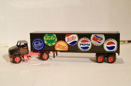 Winross pepsi historical 11 semi truck trailer delivery truck cola diecast 28 model vehicle sets 19cc1796 cf52 4e92 9551 059eb4dc8157 medium