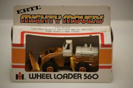 Ertl Mighty Movers 1/64 IH Wheel Loader 560 #1850 | Model Construction Equipment