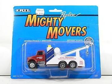 Ertl Mighty Movers Die Cast 1:64 International Wrecker/Tow Truck Dentmeyer Bros. Towing & Starter Service | Model Trucks