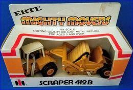 Ertl Mighty Movers IH Scraper 412B 1/64 #1855 | Model Construction Equipment