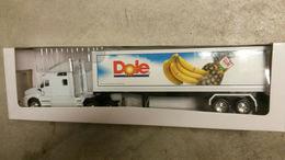 Dole foods kenworth diecast semi truck tractor trailer%257ewelly%257erare promo model vehicle sets f9f36843 3561 4390 b7c2 0b53133fda2e medium