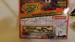 Road Champs Kenworth Reese's Pieces Semi Truck & Trailer HO Scale | Model Vehicle Sets