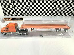 DCP Freightliner Century Tractor w/Flatbed Trailer - Schneider National - 1:64 | Model Vehicle Sets