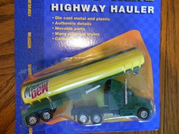 Road and track highway hauler mountain dew tanker trailer and kenworth truck model vehicle sets b965f2e8 d15c 4370 b440 f96b756fa420 medium