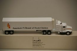 Ertl Kenworth T-600A Semi with Holly Farms Trailer 1/64 | Model Vehicle Sets