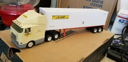 1%252f53 rare j. b. hunt coe international sleeper cab w 48%2527 trailer model vehicle sets 631e6b34 46a6 45fa a08b add824c9e038 medium