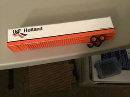 Athearn h.o. scale usf holland trailer only model trailers and caravans 3b385682 727e 411a 93ea 6d4fb39a0866 medium