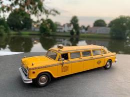 1976 checker aerobus taxi model cars 3126ccba ae9f 4f75 81be 58c18e80b676 medium
