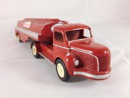 Berliet tlm 10 esso tanker model trucks 387d5b1a f9fa 47e8 abe1 f78357fdbe10 medium