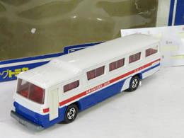 Fuji semi decker bus model buses 53d665a8 2c7e 4786 87b1 ebcbc584d112 medium
