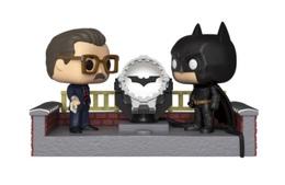 Batman with light up bat signal vinyl art toys 1fdd9828 e7a8 4bfa 8bbd 70492c20e6ba medium