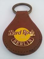 Brown leather keychains 6f66ac86 1487 46e0 800c 9415b92c7512 medium
