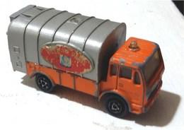 Mercedes-Benz Garbage Truck | Model Trucks