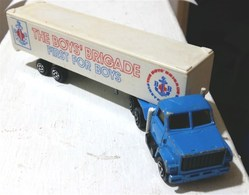 camion model trucks b20a835c e382 4e8a 8d5b a37ea2d32ad5 medium