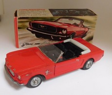 Ford Mustang closed | Model Cars | photo: Malcolm D