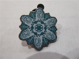 R2-D2   Pins & Badges