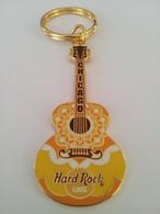 Light yellow guitar keychains 34ec4f73 060f 42de 935b f616dc0f4b77 medium