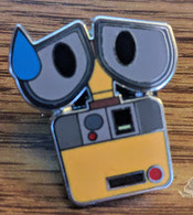 Wall e  pins and badges d2699a24 1d61 49a2 9f33 e3a1b77d80d5 medium