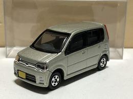 Daihatsu move custom model cars 0bdcc171 3494 494f bdd2 db6e06906e6e medium