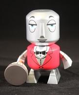 Robot butler vinyl art toys 545966e6 7ac9 4215 b3aa d4abdddde875 medium