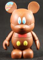 Easter bunny vinyl art toys 52bc6e78 0a7d 4d58 b647 49cc68312247 medium