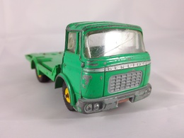 Berliet gak cattle van model trucks 264a1c26 3da1 49e6 b44a b16fb11a1d05 medium