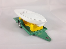 Boat trailer model trailers and caravans 55ca6a15 a783 48e4 9ff4 e57906c35885 medium