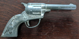 Hubley metal toy gun toy guns d3685d11 46a7 4e99 808a 1b57e87d28b3 medium
