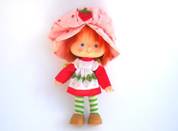 Strawberry shortcake dolls ea5543dc e74e 45fb ad30 91e6e41ea16a medium