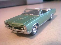 Greenlight muscle car hobby collection pontiac %252767 gto convertible model cars cf1746e4 60ef 4aaa b303 239c1e7dbe7d medium