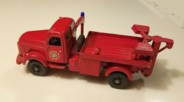 Volvo l495 titan wrecker %2522falck zonen%2522 model trucks ebf66885 202e 4afd 9e8b 521defefa087 medium