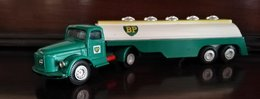 Volvo bp tanker model vehicle sets a58b046f 46ba 4c66 bc34 915202987c72 medium