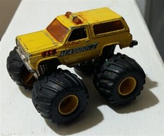 Chevrolet %252782 k5 blazer model trucks 3ae9aead cece 4523 a1c4 2401ebe39aa4 medium