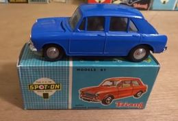 Morris 1100 model cars 4db454c3 9bf7 4e6c 9310 3e0e8de694f5 medium