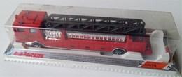 ladder fire engine model trucks d2a3bba1 ff7a 4baf a9f6 940f739734b8 medium