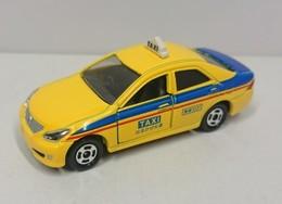 Toyota crown taxi model cars 931e03b8 4b69 4cab a6dd a82c90874453 medium