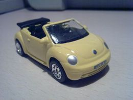 Welly deluxe 20pc set volkswagen new beetle convertible model cars 13b5ed96 a836 4f46 a37e 00365cf2fe65 medium