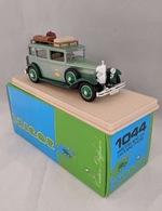 1931 mercedes taxi d%2560hotel  model cars 311018e9 1d14 46e5 9a61 1ed2da70dbde medium