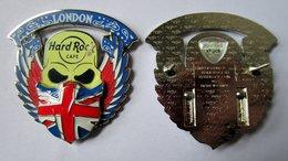 Skull bandana pins and badges 22ba72d0 2565 486c 8f93 32582723706a medium