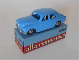 Alfa romeo 1900 super model cars 1f0721a0 6c55 4eab b3f0 40099177f9cf medium